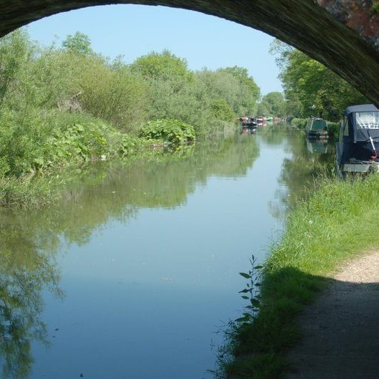 kennet and avon canal near manor farm